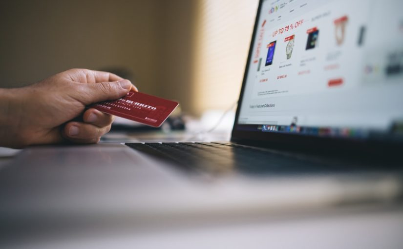 Kiedy warto kupować meble przez Internet?
