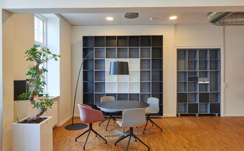 Jakie krzesło do biurka wybrać?